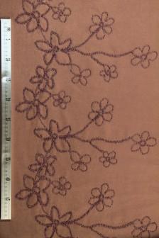 Ткань пальтовая с вышивкой бисером по одной кромке
