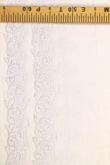 Марлевка с вышивкой по одной кромке